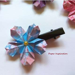 Handmade origami cherry blossom hairclip/brooch - blue