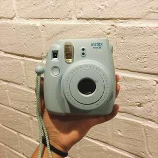 kamera polaroid (instax mini 8)
