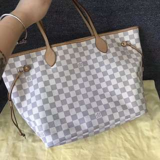 LV Neverfull middle