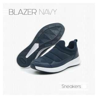 BLAZER NAVY Warm Sneakers Shoes for Winter Sepatu Hangat Musim Dingin Biru Tua Ballop Indonesia