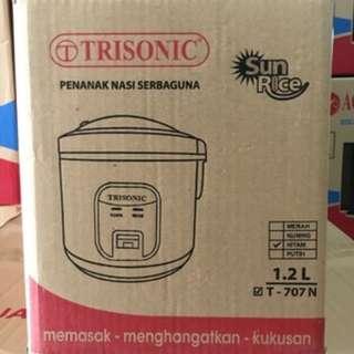 Yuk di order Rice cooker 1.2 liter dari trisonic