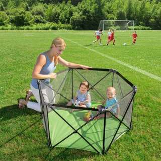 Easy foldable playpen