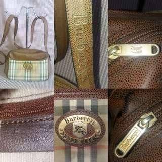 Vintage Original Burberrys sling bag
