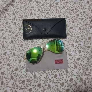Aunthentic Rayban Aviator glasses