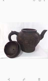 紫砂茶壺  雍正禦製,公元1723年至1735年 清朝第五位皇帝 前后13年