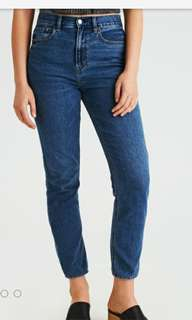 AE Mom Jeans (Size 0)