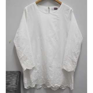 SCARLET embroidered top cotton (plus size 14)
