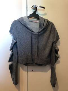 Crop long ripped sleeve