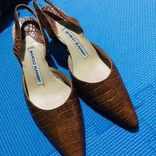 MANOLO BLAHNIK CAROLYNE BROWN CROCODILE SLINGBACK (Preloved)