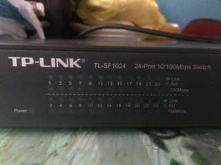 TP LINK SWITCH HUB 24PORT 10/100!!!