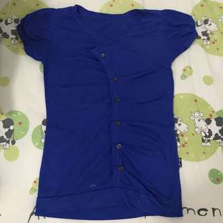 Button blue clothes / blouse biru