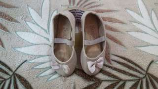 Pre-loved baby shoes