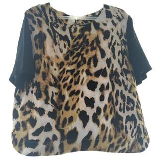 Animal print leopard top with black shirt sleeves