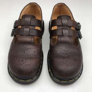 Dr Martens 娃娃鞋 4號的尺寸大約是23.5