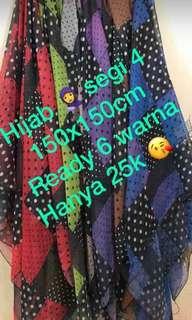 Hijab segi 4 150x150cm