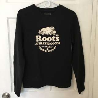 ROOTS original black crew neck/sweater