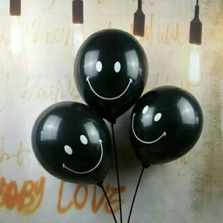 """*FREE DELIVERY to WM only / Ready stock* 5pcs 12"""" 🎈 smilling latex without helium/air as shown design/color blk. Free delivery is applied for this item."""