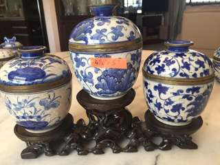 Chinese Porcelain Vase Set