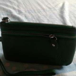Michaela wrist wallet