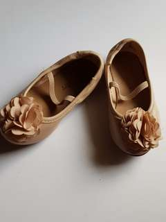 Old Navy shoes for girls