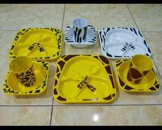 Piring makan anak set by Dancow