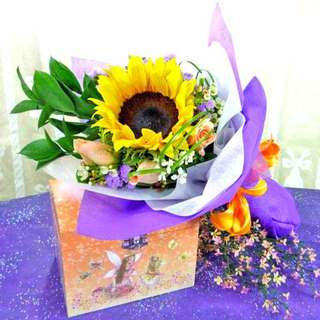 [FREE DELIVERY] Sunflower and 3 Champagne Roses Hand-bouquet (002-SU)