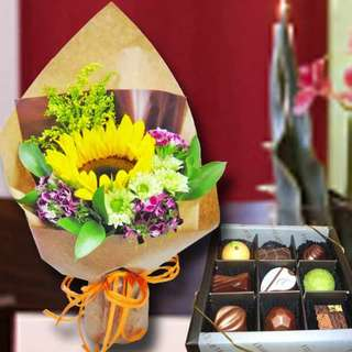 [FREE DELIVERY] Chocolate & Sunflower Hand-bouquet (003-SU)