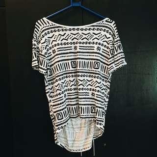 Forever 21: T-shirt aztec print