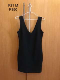 F21 black bodycon dress