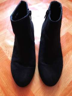 Flat Ankle Boots in Black