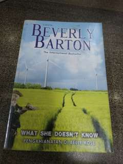 What She Doesnt Know by Beverly Barton