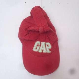 GAP red cap