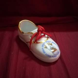 Vintage Porcelain / Ceramic Mini Shoe from Spain with 24 karat Gold Trimmings