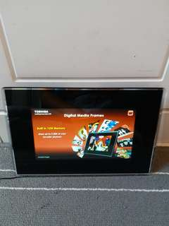 Toshiba 8' Wireless Digital Media Frame