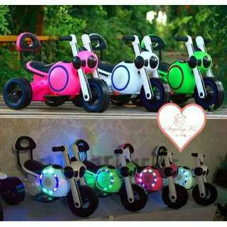 *FREE DELIVERY to WM only / Ready stock* Kids toy electric motor ride each as shown design/color white only. Free delivery is applied for this item.