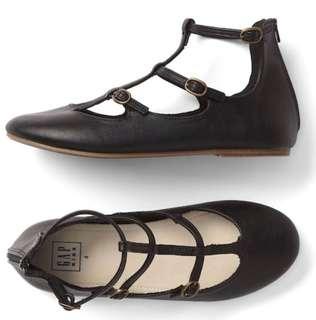 GAP Black Shoes size3