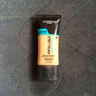 L'OREAL INFALLIBLE PRO GLOW FOUNDATION SHADE 208. Sun Beige