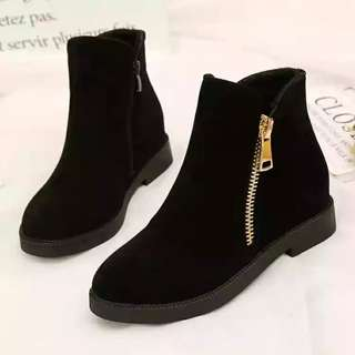 Clear Stock! Size 35 Women Boots Good Quality
