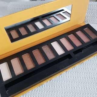 10 Eyeshadow Palette