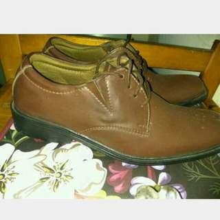 Pantofel Preloved merk YONGKi K.