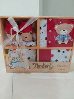 TENDERLY Hamper