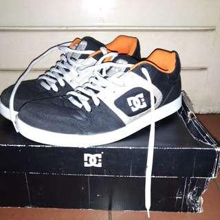 Original 100% Sepatu Sneakers DC Union TX