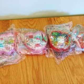 出售全新麥當勞kitty玩具四件,共售ㄧ百元,有意請pm我,謝謝!