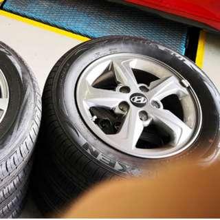 "Hyundai Elantra 15"" Stock Rim and Tyres (TRADE BACK FROM NEW CAR)"