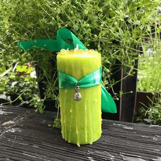 Handmade green money drawing spell candle