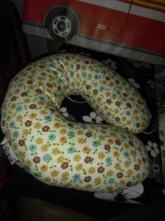 Pillow headrest sale.   Call 81211422