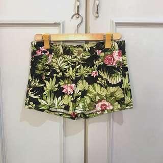 Kashieca Tropical Shorts size XL on tag