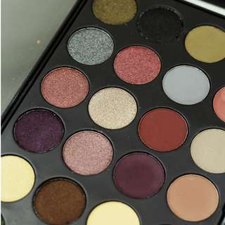 J. Cat Beauty 24-Eyeshadow Palette in Santa Monica