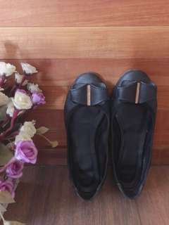 Black shoes, 100% genuine leather
