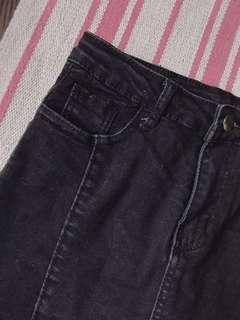🚚 黑牛仔褲裙